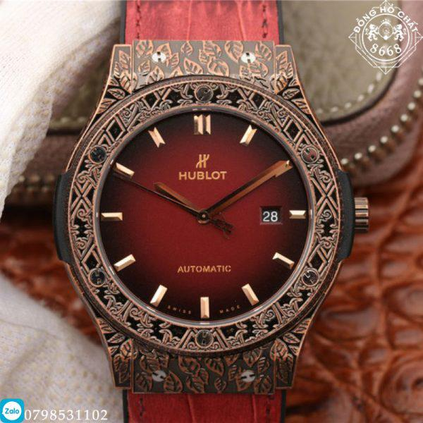 Tất cả các phụ kiện đều được làm một cách độc đáo – sang trọng – lôi cuốn. Giúp tôn lên vẻ đẹp của chiếc đồng hồ.