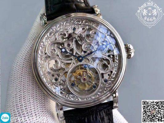 Những chất liệu cao cấp nhất đều được tích hợp trên chiếc đồng hồ