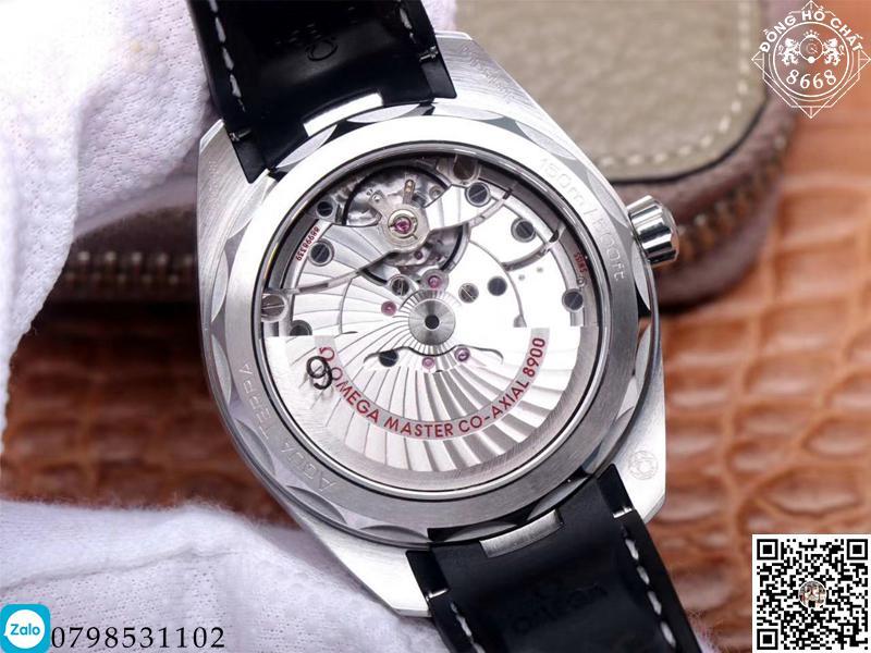 đồng hồ cơ omega với thiết kế bộ máy hoàn hảo, mọi chi tiết vô cùng tỉ mỉ và phức tạp;