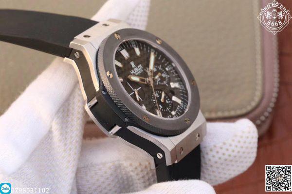 Vậy nên chúng tôi đem đến cho các bạn bản đồng hồ Hublot siêu cấp. Với giá thành chỉ bằng 1/10 chính hãng. Hôm nay Đồng Hồ Chất 8668 xin được giới thiệu mẫu đồng hồ Hublot siêu cấp Big Bang 44mm Chronograph với độ hoàn thiện sát với bản hãng nhất.