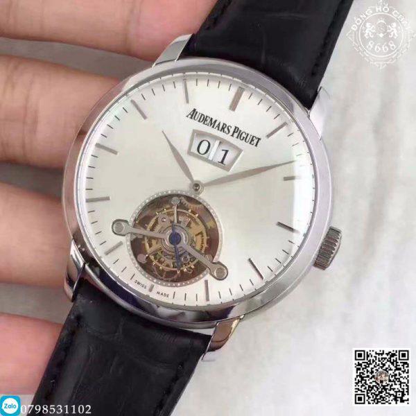 Đồng hồ Audemars Piguet Super Fake sở hữu ngoại hình bảnh bao với bộ vỏ hoàn thiện từ chất liệu thép không gỉ bền bỉ và dây đeo tay da cá sấu thanh lịch