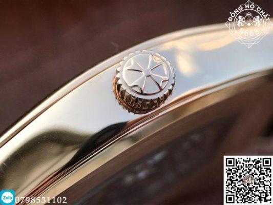 Toàn bộ phần vỏ Case đều được đánh bóng hoàn thiện đến mức ấn tượng chỉ xuất hiện trên những chiếc đồng hồ cơ học cao cấp.
