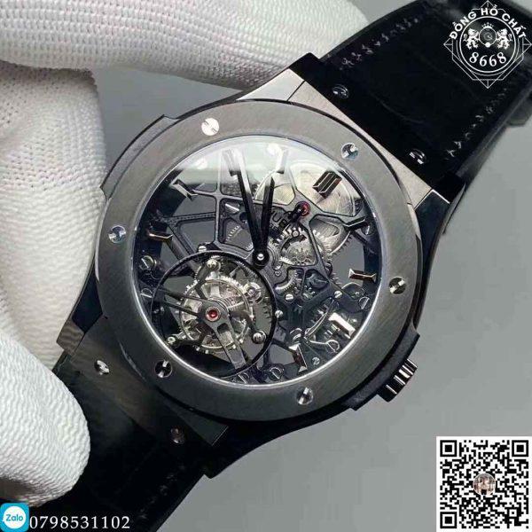 Chiếc đồng hồ có mặt tại Đồng Hồ Chất 8668 ngày hôm nay còn là sự kết hợp của những chất liệu cao cấp nhất, chiếc đồng hồ Hublot siêu cấp Big Bang Chronograph 44mm.