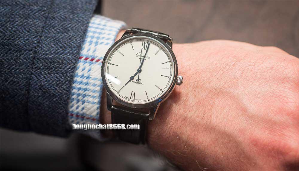Đồng hồ Glashütte Original phiên bản Super Fake là giải pháp tối ưu cho những tín đồ đam mê đồng hồ nhưng không đủ tiềm lực tài chính