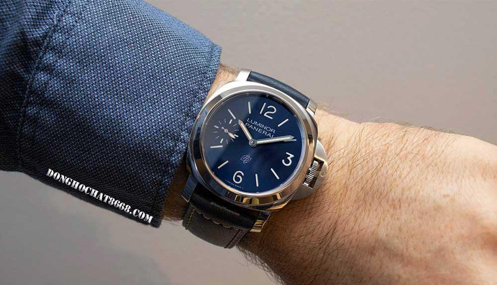 Đồng hồ Panerai phiên bản Super Fake có đặc tính và tính năng tương tự như các sản phẩm Panerai chính hãng. Nhất là vấn đề tiết kiệm đáng kể chi phí, phù hợp điều kiện mọi đối tượng khác nhau.