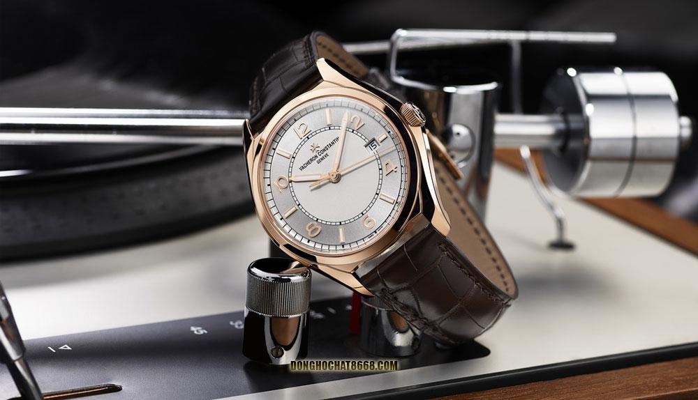 Vacheron Constantin Geneve là thương hiệu đồng hồ cao cấp có nguồn gốc từ Thụy Sĩ - một đất nước nổi tiếng bậc nhất với các dòng đồng hồ xa xỉ của thế giới.