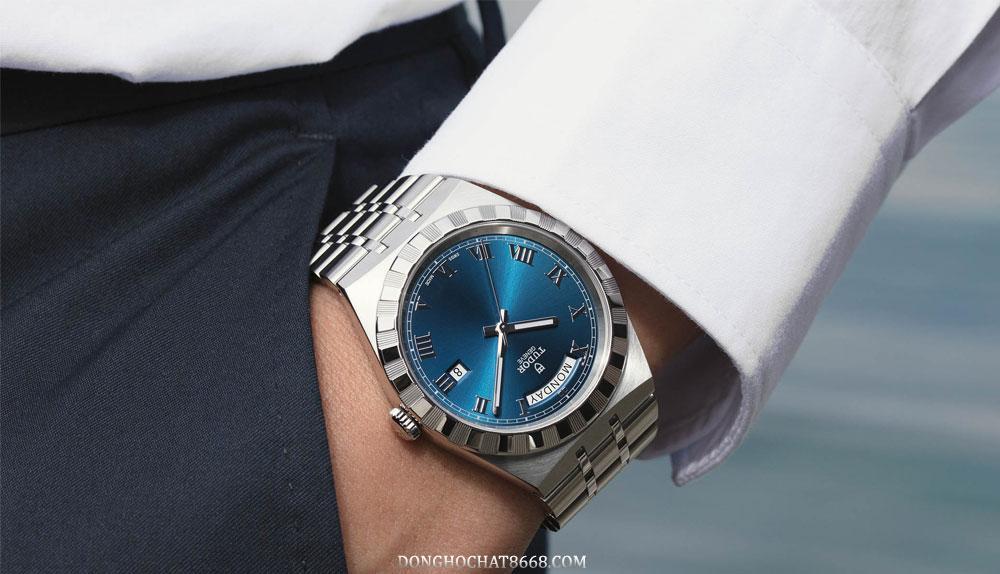 Những chiếc đồng hồ Tudor mức giá không dưới 45 triệu đồng.