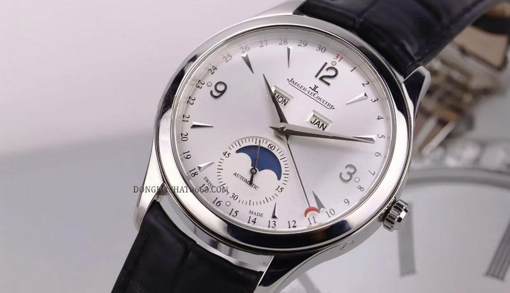 Đồng hồ Jaeger Lecoultre Master Calendar được làm từ vàng trắng.